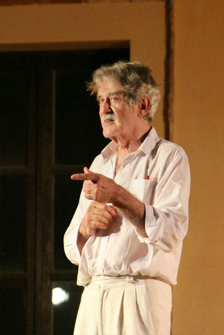"""Giuseppe Pambieri è l'assoluto protagonista di """"Centomila, Uno, Nessuno"""" di Giuseppe Argiro', su vita e carriera di Pirandello. Al Palladium il 3 e 4 marzo http://www.elisabettacastiglioni.it/eventi/310-centomila-uno-nessuno.html"""