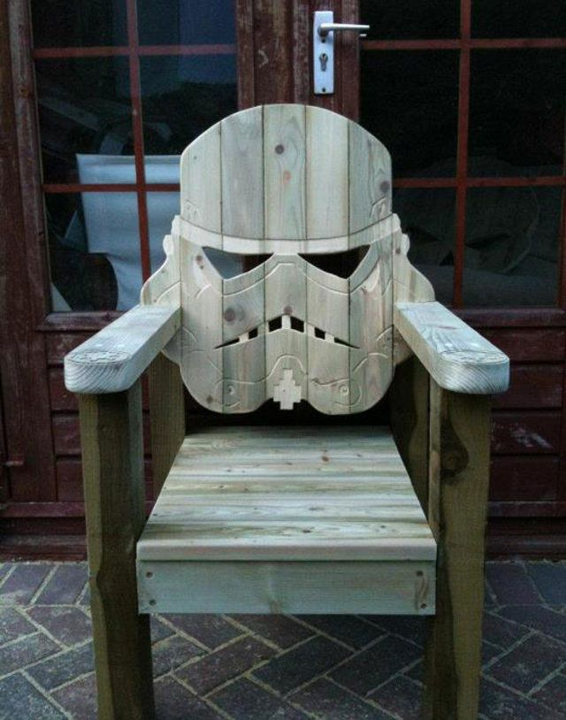 Stormtrooper Lawn Chair: Relax In Style This Summer: Stormtrooper Chair, Idea, Storm Troopers, Deck Chairs, Stormtrooper Deck, Stars, Star Wars, Starwars