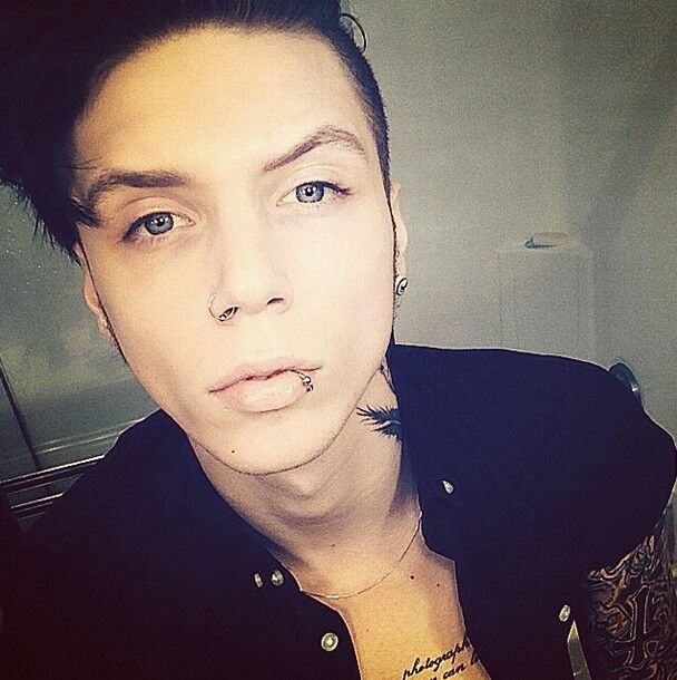 1000+ images about Andy Biersack on Pinterest | Jeff the ...