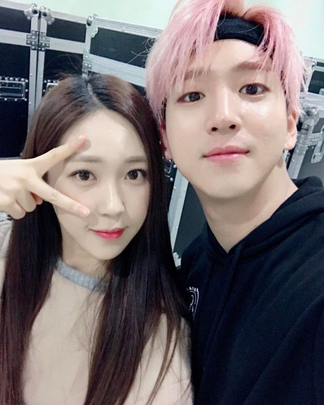 Singer I opens up about brother Baro of B1A4 | Koogle TV