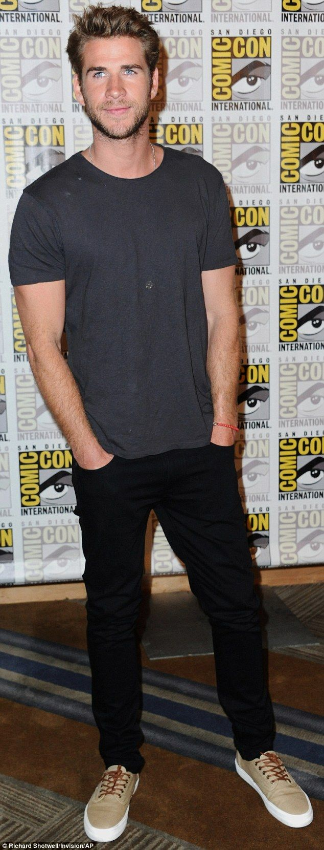Liam Hemsworth I Daily Mail