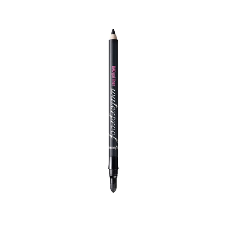 BADgal waterproof liner was used to line the upper waterline and upper lash line of the eye. The lash line was then blended with a cotton bud for a softer finish xx