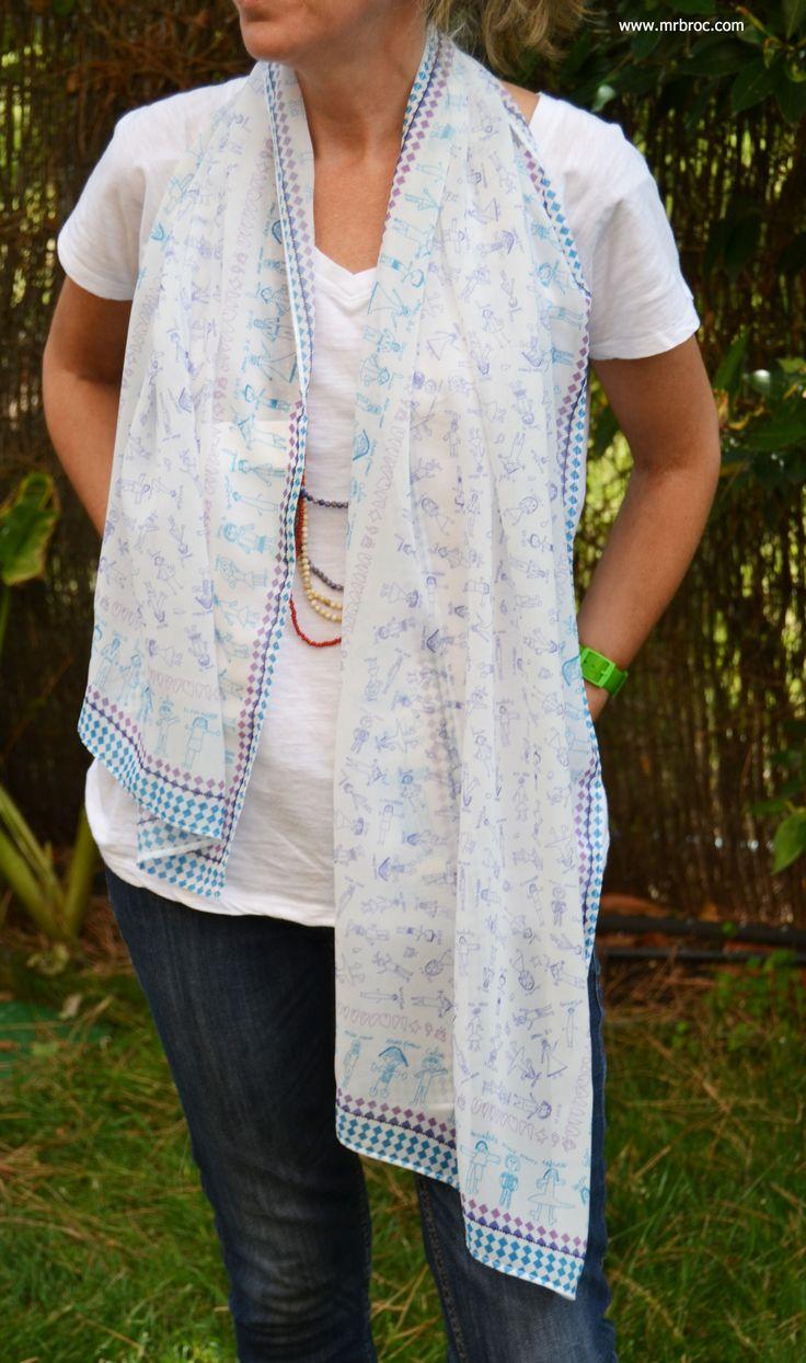 Broc Fular Medium 150*40 cm, diseñado con los dibujos de los niños en linea. www.mrbroc.com