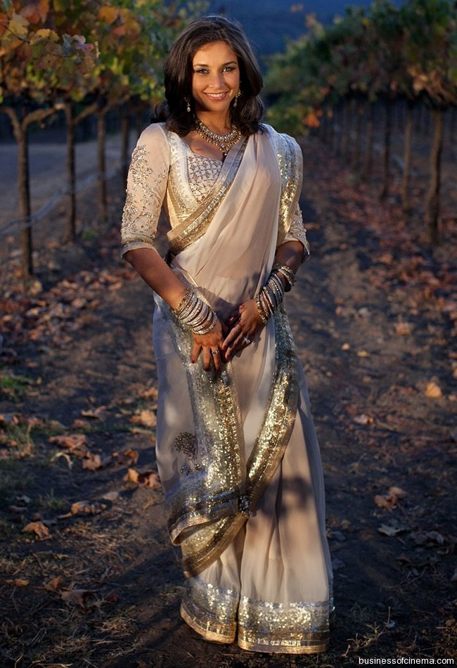 Lisa Ray wears a Satya Paul sari for her wedding. It was gorgeous!  Florals: Fleurs de France  www.fleursfrance.com