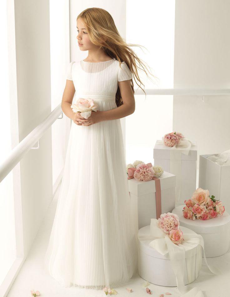 vestido y cajas con arreglo floral