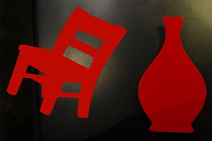 la rivoluzione delle sedie rosse