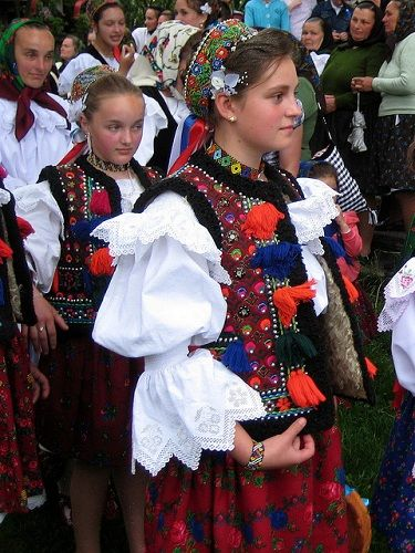 Traditional costumes of Romania Photo by Basil Tracy