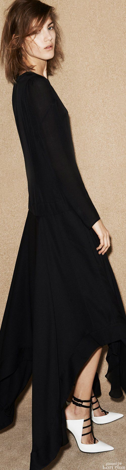 Barbara Bui Pre-Fall  2015    love the lines in this dress