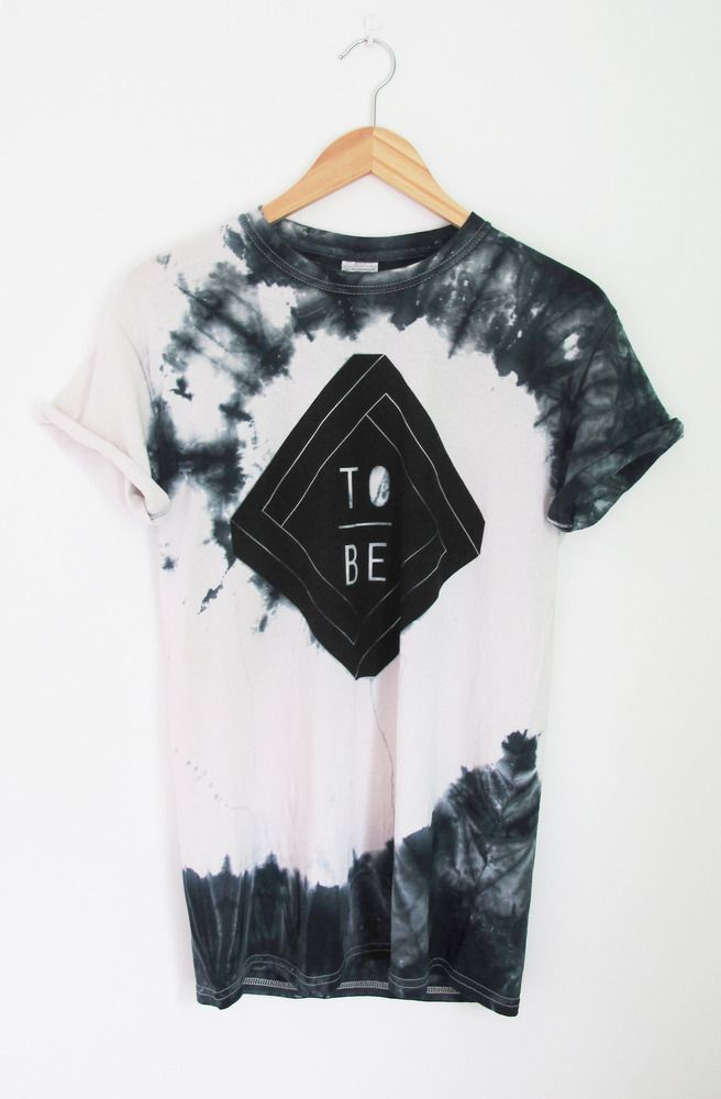 Crazy Dye in Neutral Colors with Simple Graphic
