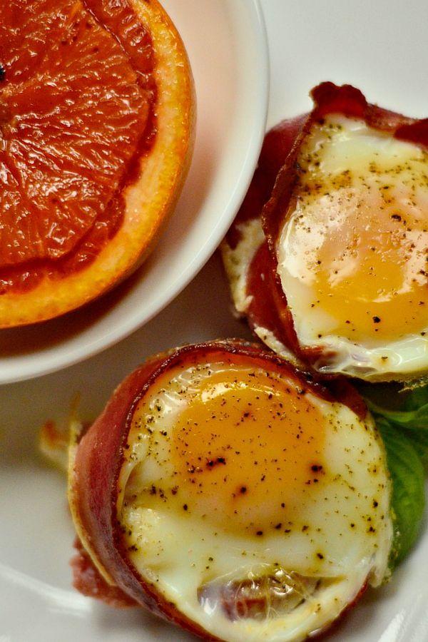 Easter Brunch Baked Egg Tomato Bacon Cups