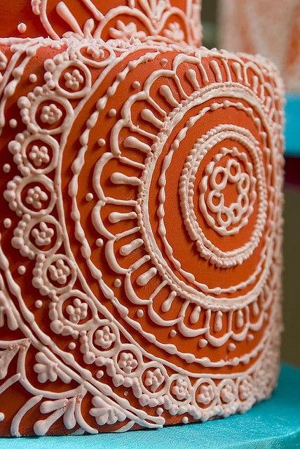 Mehndi Cake Tutorial : Henna cake piping makedes