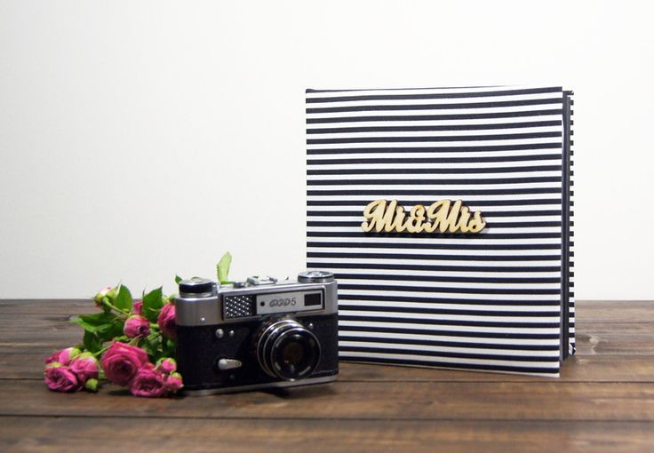 Album Mr&Mrs w paseczki 30 cz str 24x24 - Plans-And-Memories - Albumy na zdjęcia wklejane