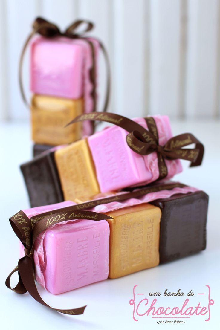 Linha Um Banho de Chocolate 2015 por Peter Paiva