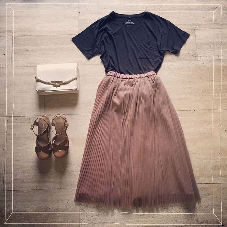 人気のチュールスカートに新色が登場♪黒Tを合わせてハンサムスタイルに☆ 『ポケット付Tシャツ』¥980 ・578-13-3453 『チュールプリーツスカート』¥2680 ・592-23-7601 『かぶせショルダー』¥2680 ・378-121-0365 『クロスサンダル』¥2680 ・235-134-5260 #ハニーズ #Honeys #fashion #R_fashion #ootd #coordinate #プチプラ ただ今ハニーズメンバーズクラブ、ポイント2倍キャンペーンを開催中です。詳しくはプロフィールTOPのURLからCHECK☆