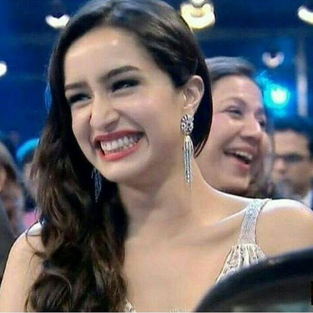 #hilarious smiling  Follow now - @shraddhaskapoor ❤ . . #cute #girl #followme #smile #instagood #instamood #instalike #photography #photooftheday #picoftheday #follow #tagsforlikes #kollywood #hollywood #jenniferlawrence #selenagomez #justinbieber #shraddhakapoorsuperfans #shraddhagems #indonesia #dubai #america