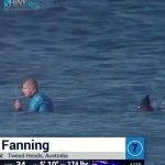 Le célèbre surfeur australien Mick Fanning s'est fait attaquer par un requin, dimanche19juillet, lors de la finale du J-Bay Open, en Afrique du Sud. Les spectateurs ont pu voir en direct le surfeur se débattre. Mick Fanning, triple champion du monde de surf, s'en est sorti sans blessure, mais choqué.