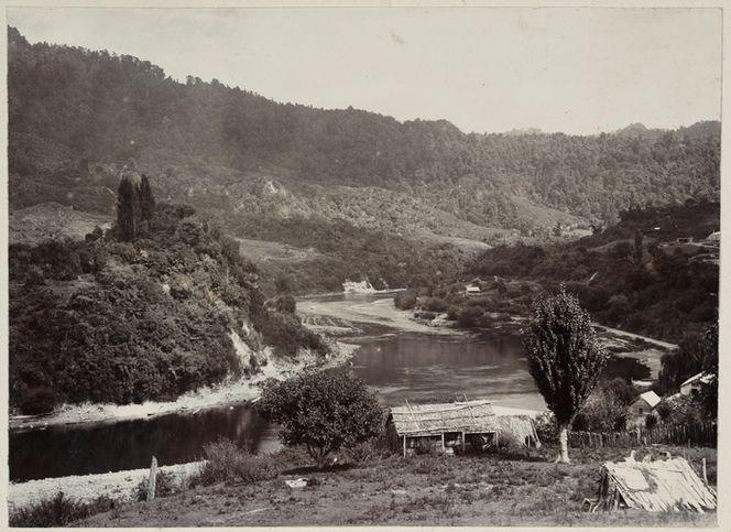 Whanganui River and surrounding countryside at Pipiriki