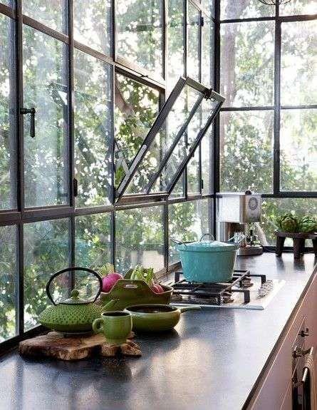 Come arredare una veranda cucina | Stalen raamkozijn veranda ...