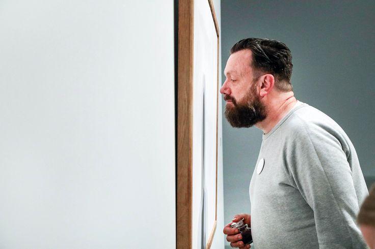 Welke geuren passen er bij een kunstwerk? In de artSmellery in het Stedelijk Museum kun je nu ook met je neus kunst ontdekken.