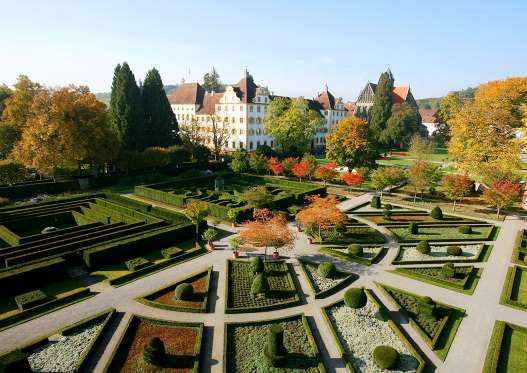 Einst zählte Kloster Salem, dank der dazu gehörenden weitläufigen Äcker und Weinberge, zu den reichs... - Staatliche Schlösser und Gärten Baden-Württemberg
