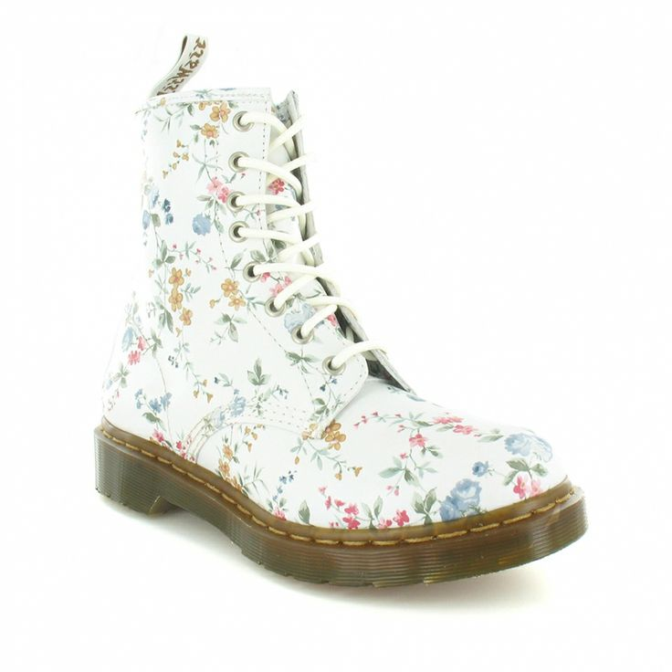 best 25 doc martens floral ideas on pinterest grunge. Black Bedroom Furniture Sets. Home Design Ideas