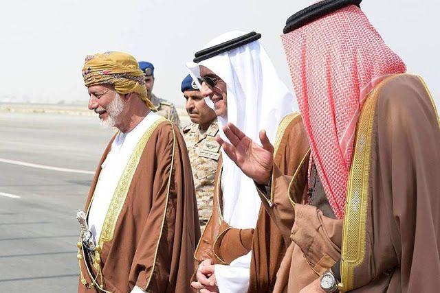 Oman konfirmasi gabung koalisi Saudi  Foto : (ilustrasi) Menlu Oman Yusuf bin Alawi datang ke Riyadh (11/1/16usnews.com)  Kerajaan Oman telah memberikan konfirmasi mengenai keputusannya bergabung dengan koalisi Saudi Kamis (29/12) dilansir dari Reuters. Oman yang selama ini memiliki hubungan baik dengan Iran segera diapresiasi oleh negara-negara Teluk atas tindakannya. Menteri pertahanan Oman Badr bin Saud al-Busaidi telah mengirim surat pada Saudi untuk menegaskan keinginan kerja sama dalam…