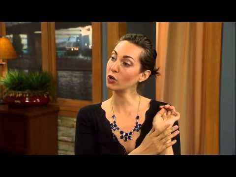 Decoding Female Body Language - YouTube