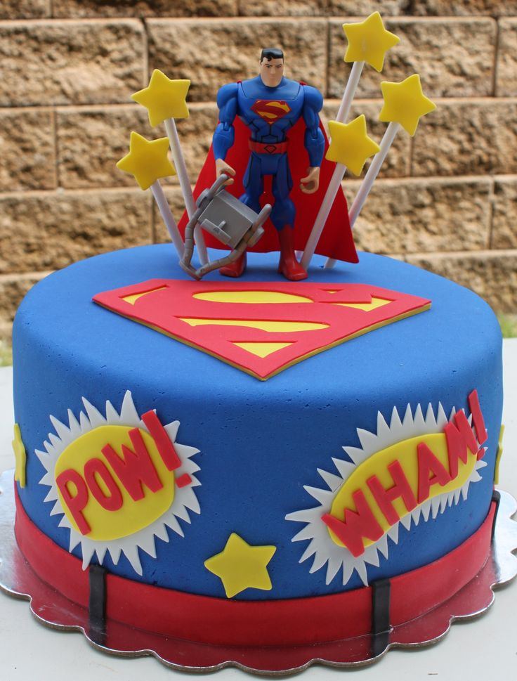 Superman birthday cake with fondant decorations Things Ive