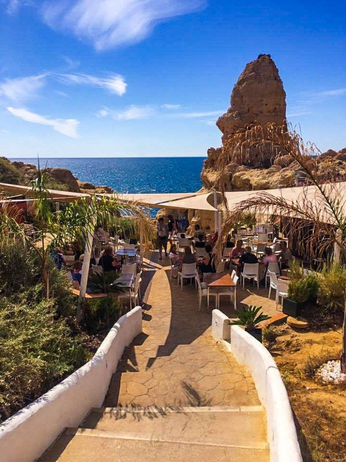 Algar Seco is the playground for adults in the Algarve. This photo diary proves this is the perfect place to spend an afternoon in the Algarve.