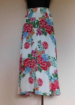 Kup mój przedmiot na #vintedpl http://www.vinted.pl/damska-odziez/spodnice/15642946-dluga-spodnica-w-kwiaty-36-38