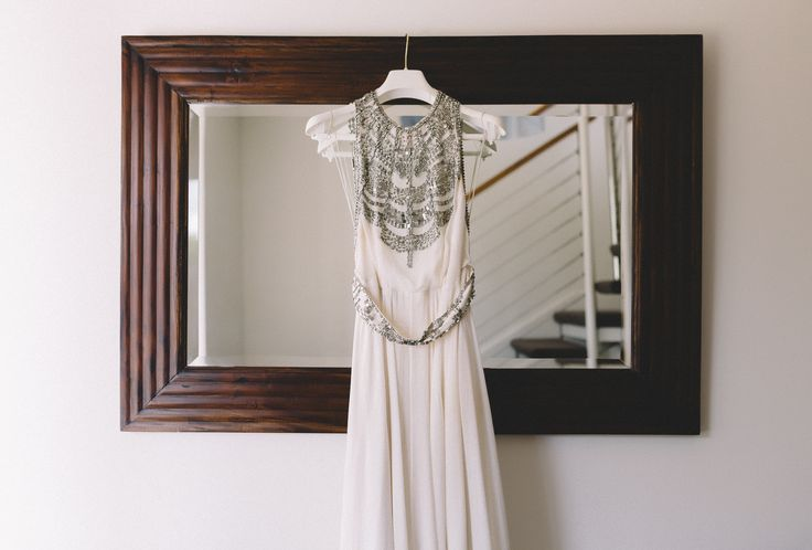 Amanda Wakeley Cleopatra wedding dress at Mornington Peninsula Wedding. Image by Vanessa Norris Photography.