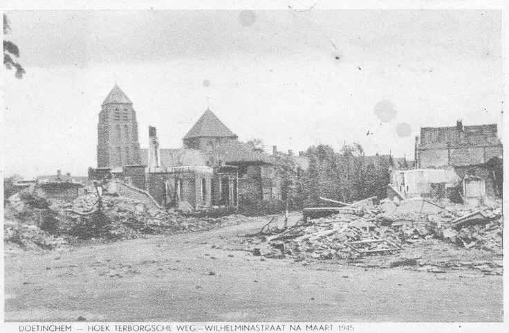 Doetinchem hoek Terborgseweg Wilhelminastraat na bombardement