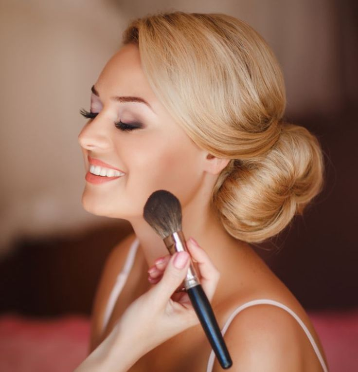 Bridal Makeup Lesson is a good technique in the care of makeup as well as skincare and beauty products. Bridal Makeup  Lesson and exciting way to combine your love of makeup with a great way of generating an income.