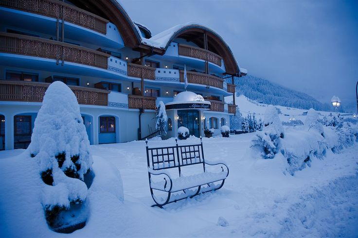 Alpin Royal Wellness Refugium & Resort Hotelt, Valle Aurina, Italy  --   Get the Best Rates and Booking Options here      >>  http://www.lowestroomrates.com/avail/hotels/Italy/Valle-Aurina/Alpin-Royal-Wellness-Refugium-Resort-Hotel.html?m=p   Located in Valle Aurina (San Giovanni), Alpin Royal Wellness Refugium & Resort Hotel is convenient to Klausberg Ski Area and Klausberg Gondola & within the vicinity of Speikboden Gondola and Speikboden Ski Area.  #SkiResorts  #ValleAurina #ItalianAlps