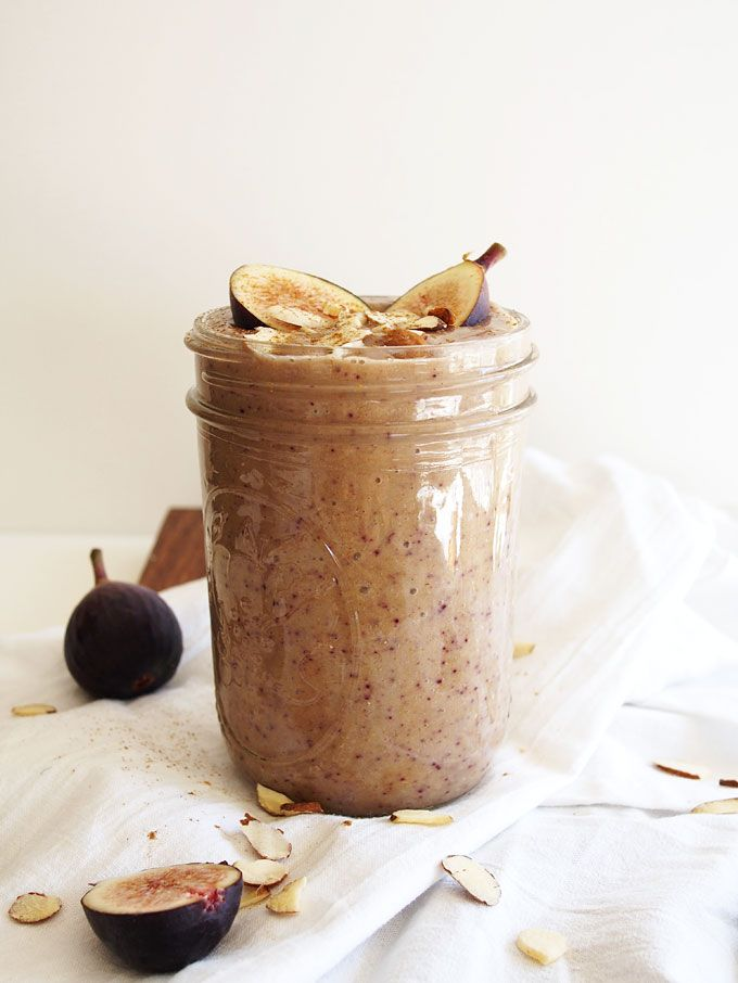 Honey Almond Fig Smoothie | http://www.thekitchenpaper.com/honey-almond-fig-smoothie/