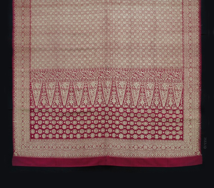 Kain Songket Lepus ceremonial shawl  Palembang, South Sumatra (1920's)  (size: 206x86cm)   #Indonesia #ceremonial