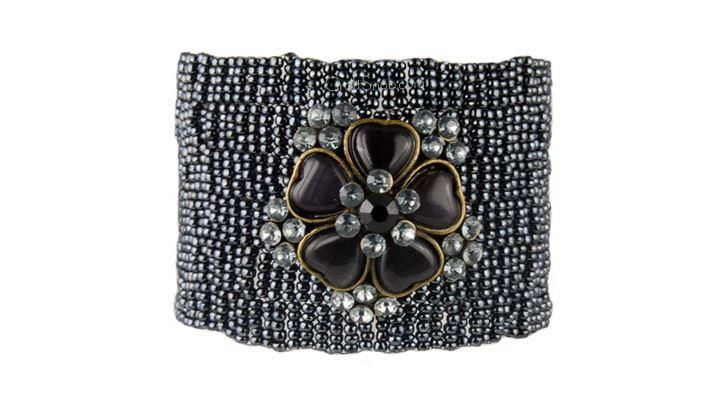 Black Beauty Beaded Peyote Cuff | AllFreeJewelryMaking.com