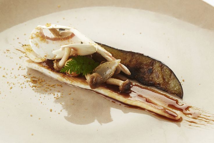 Recept gelakte hondshaai, aubergine, noten en champignons