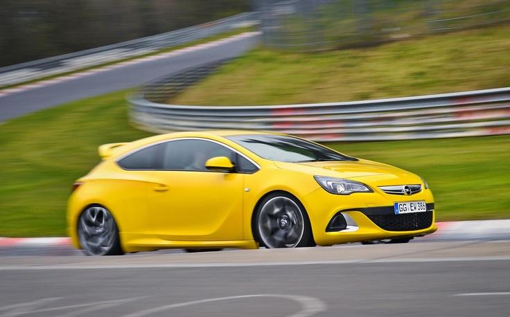 Opel Astra OPC en Talleres Prizán