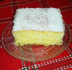 Ινδοκάρυδο...γλυκό ταψιού  Πίτα σιροπιαστή με ινδική καρύδα  Υλικά  •200γρ αλεύρι για όλες τις χρήσεις  •200γρ ινδική καρύδα  •125γρ βούτυρο  •4 αυγά  •1 κεσεδάκι γιαούρτι (200γρ)  •130γρ ζάχαρη  •2 βανίλιες  •1 φακελάκι μπέικιν πάουντερ (20γρ)  •ξύσμα λεμονιού  Για το σιρόπι  •2 ποτήρια νερού ζάχαρη  •2 ποτήρια νερού νερό  •φλούδα λεμονιού  Για το