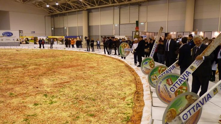Worlds LARGEST Pizza   WORLD RECORD   Biggest, HOTTEST and Famous Pizza