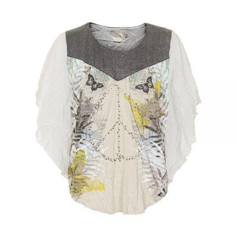 En smuk bluse med et rigtig fint mønster foran og små pailetter.