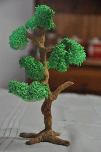 How to make fondant trees-  After cover with gumpaste or fondant use butter cream icing. Love this idea  !