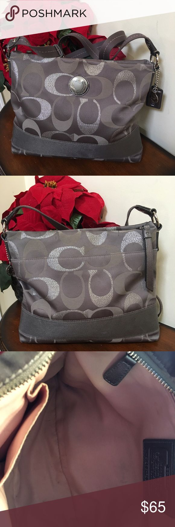 🌺🎀Coach Grey Large Crossbody Purse🌺🎀 🌺🎀Coach Large Grey Crossbody Purse is in very good used condition and very versatile and stylish to wear with a variety of outfits 🌺🎀 Coach Bags Crossbody Bags