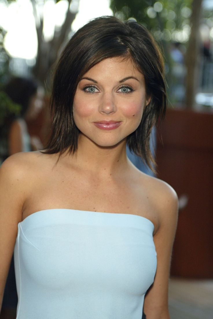 tiffani amber thiessenTiffany Amber, Celebrities Shorts Hairstyles, Tiffany Thiessen, Beautiful, Hair Cut, Cute Hair, Hair Style, Wavy Hairstyles, Amber Thiessen
