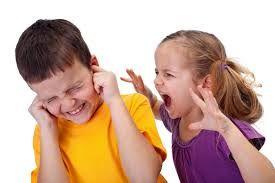 A testvérek közöttirivalizálás a világ legtermészetesebb dolga. Az embergyerek természetéből fakadóan maximális szülői figyelemre vágyik, ezért amikor osztoznia kell rajta, az konfliktusok forrása. Éppen ezért a testvérféltékenység teljes megszüntetése nem lehet reális cél. A féltékenység viszont…