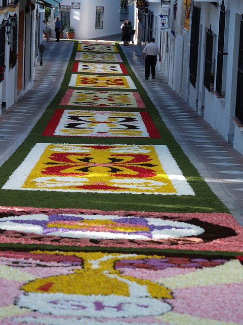 Flower Carpet in Malaga, Spain. Our tips for things to do in Malaga: http://www.europealacarte.co.uk/blog/2010/08/22/malaga-travel-tips-best-things-to-do-in-malaga/