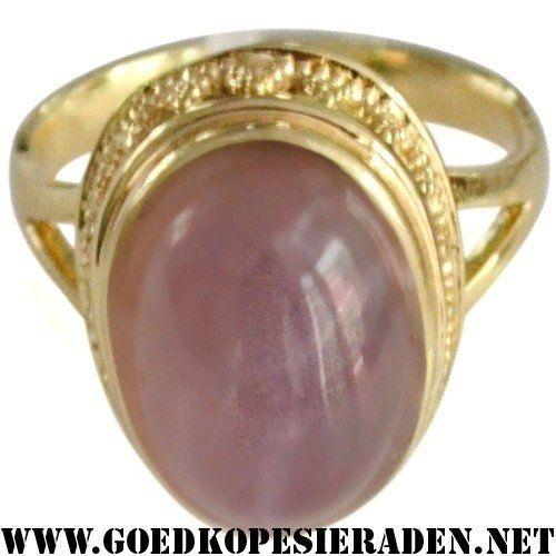 Ring goudkleurig met ovalen oudroze/paarse steen van glas - Goedkope sieraden bestellen | De goedkoopste bijoux sieraden van Nederland |