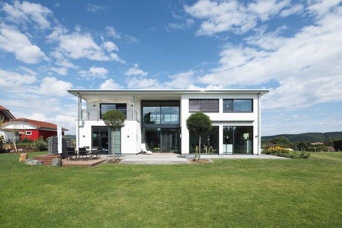 Moderne häuser mit viel glas  Klare (Architektur-)Kante und viel Glas für Blick und Licht ...