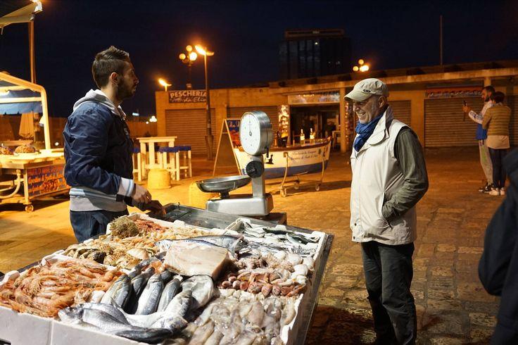 Küche und Kultur Apuliens kennenlernen | Wochenmärkte durchstöbern, beim Bauern kaufen, Städte besichtigen und KOCHEN | Koch- und Kulturwoche Apulien #italien #kochen #markt #apulien #kochkurs #marktstand #vamosreisen